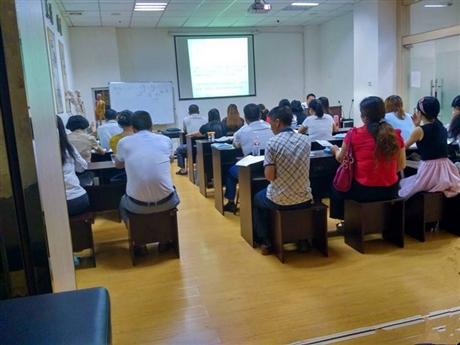 南宁针灸培训 零基础 循环教学一学就会毕业颁发国家认可证书