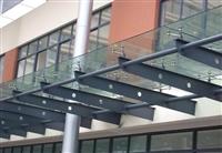 广州钢结构玻璃雨棚搭建安装