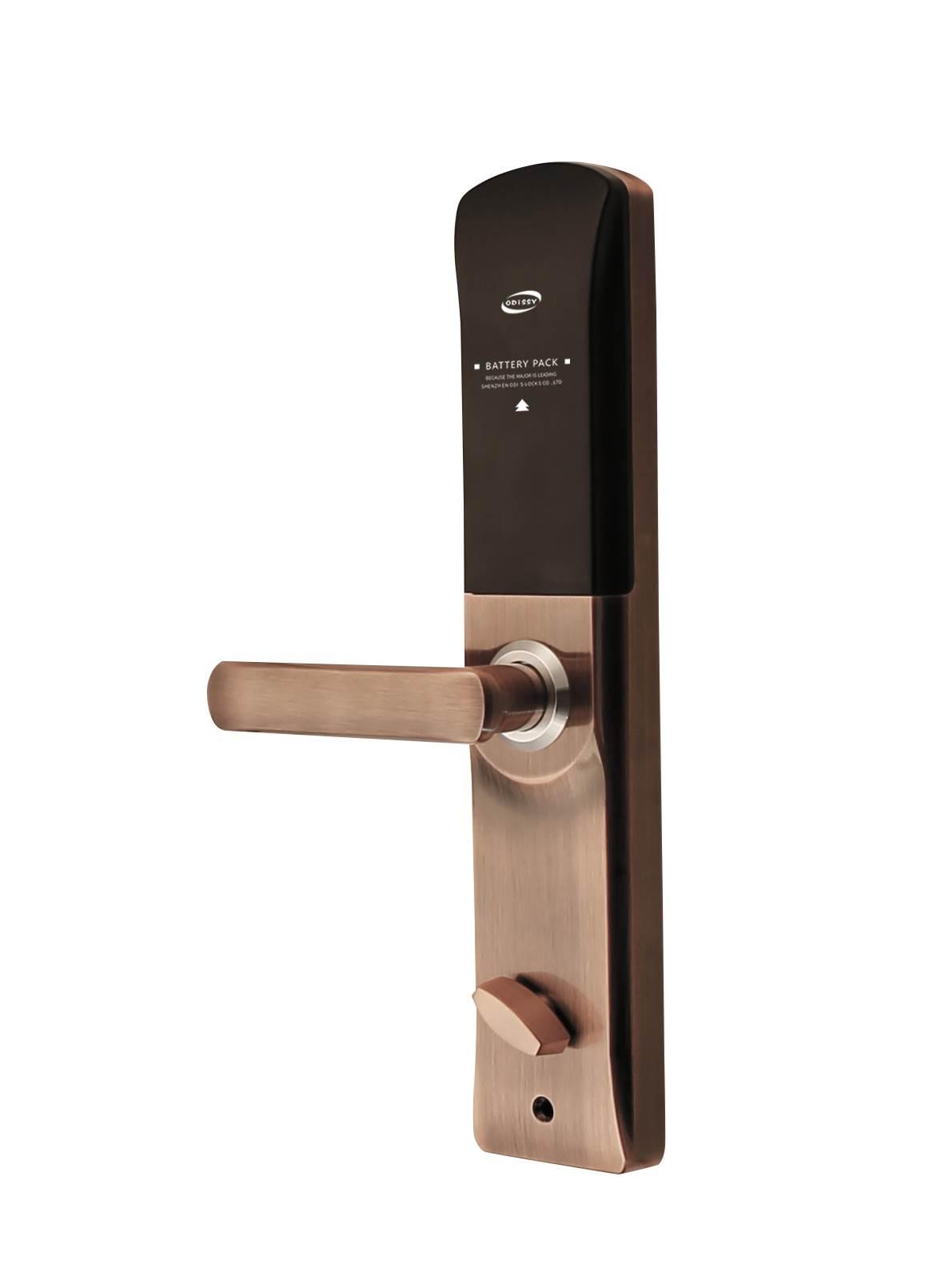 家在深圳福田,想找一个安装指纹密码锁的师傅