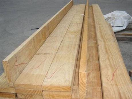 建筑方木作用大  家居建材装饰不能少