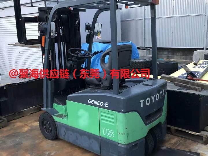 广州报关公司旧电动叉车进口项目组顺利完成清关装车