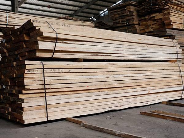 现货辐射松建筑木方加工 建筑板材 木材销售