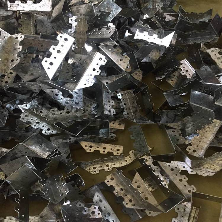 木屋连接件 木结构配件齿板梁托角码金属连接件