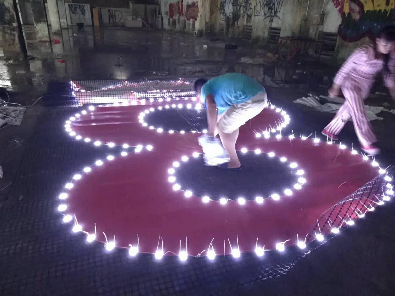 巨型楼盘发光字 制作巨型楼盘外墙灯网字 楼盘网格字