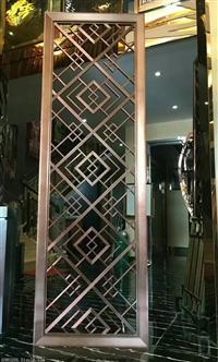 香槟金镜面不锈钢镂空雕花隔断装饰板|玄关精致欧式不锈钢隔断