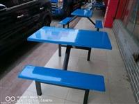 广西南宁玻璃钢食堂餐椅厂家直销