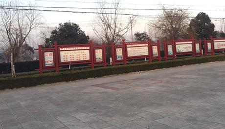 江西江苏宣传栏厂家先进的生产设备