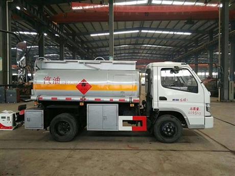东风锐铃(蓝牌)2.1吨加油车,10吨油罐车
