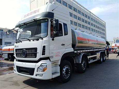 东风天锦15吨油罐车,  10吨油罐车