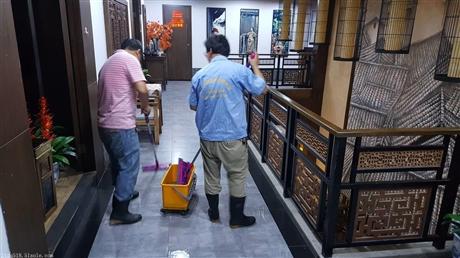 食堂地面防滑处理液使用步骤