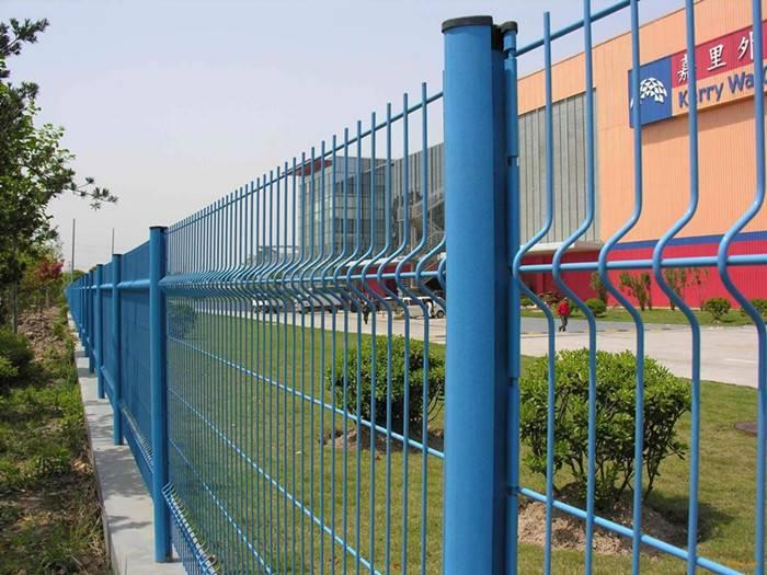 桃型柱护栏网厂家 桃型柱护栏网价格 桃型柱护栏网能不能便宜
