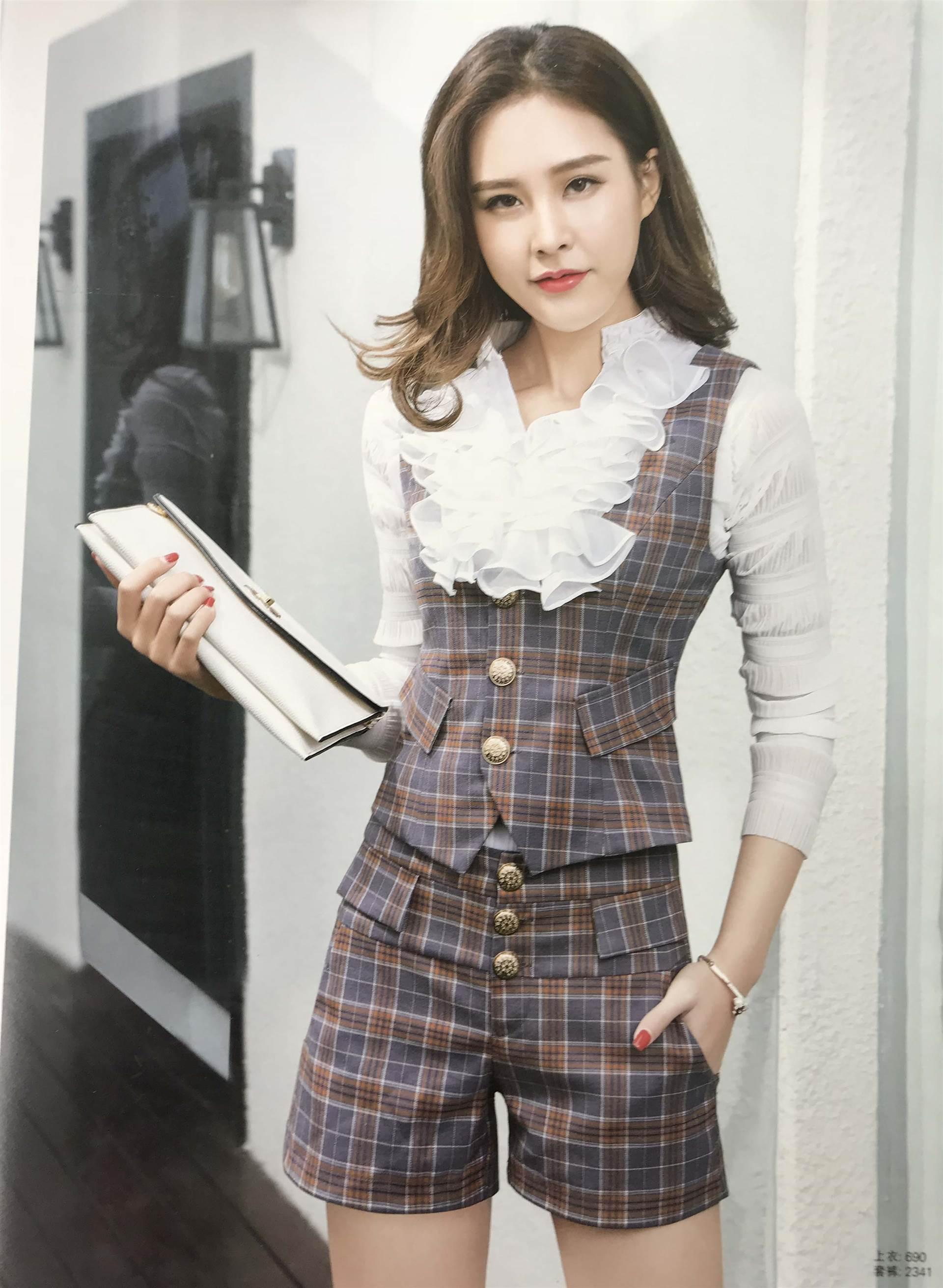 时尚秋冬白领套装折扣女装|专柜女装尾货|品牌库存服装批发