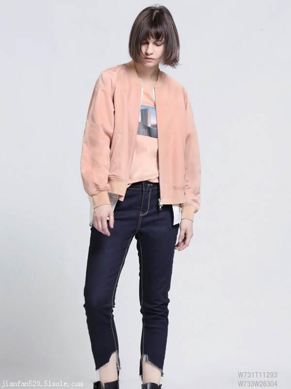 女式休闲套装 优质女装哪里进货 库存服装货源 品牌女装尾货批发