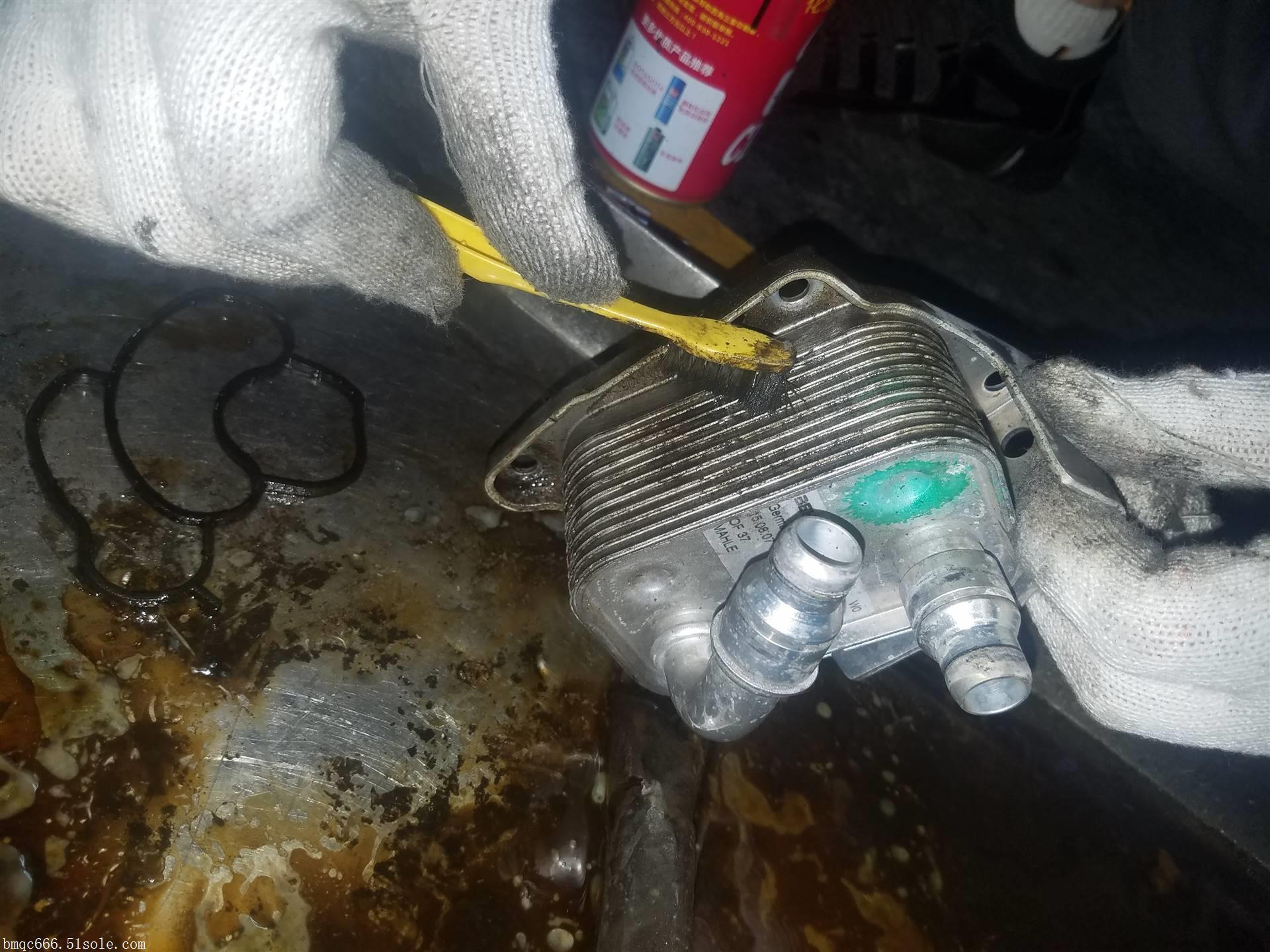 北京宝马320漏油专业维修服务中心