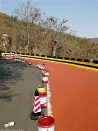 兰州彩色陶瓷颗粒防滑路面