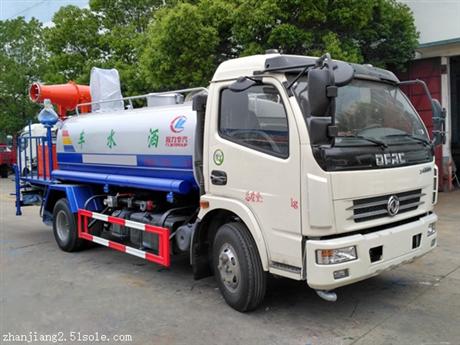 武汉东风多利卡8吨抑尘车价格8吨雾炮洒水车厂家