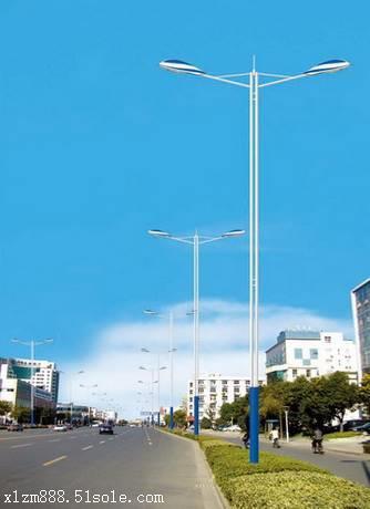 扬州10米路灯厂家