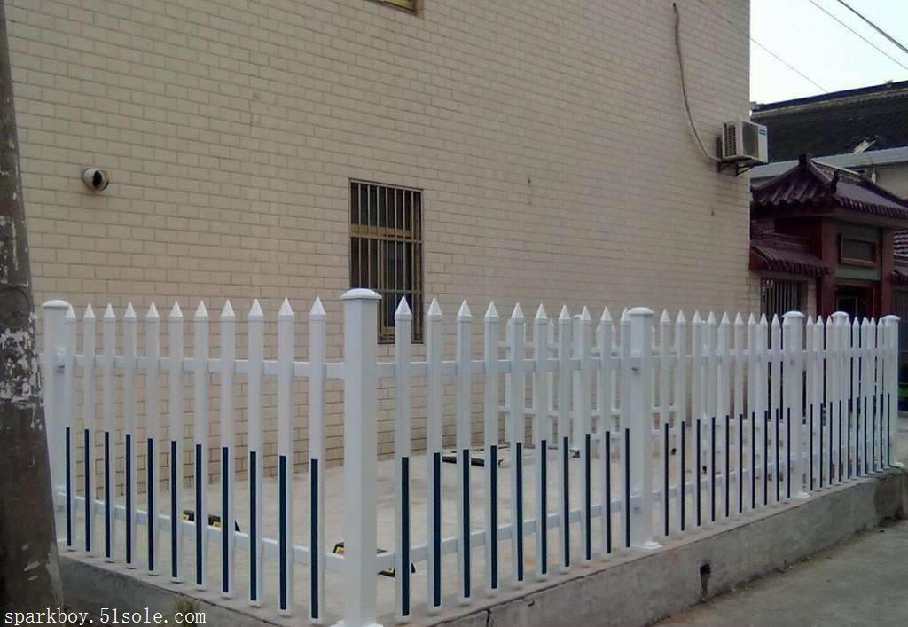 新闻:沈阳市大东pvc草坪围栏锌钢仿草坪围栏经销商
