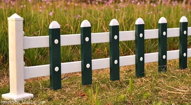 新闻:咸宁市pvc草坪围栏锌钢仿草坪围栏供应