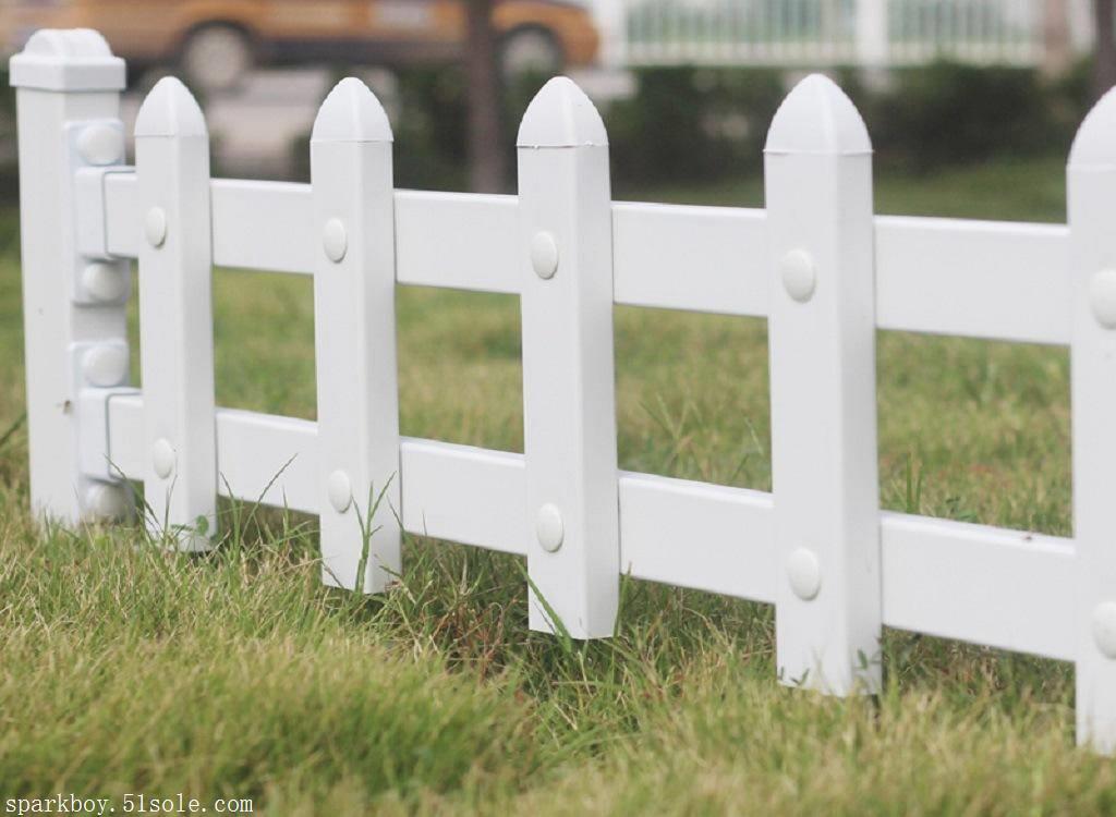 新闻:陕西安康pvc草坪围栏多少钱