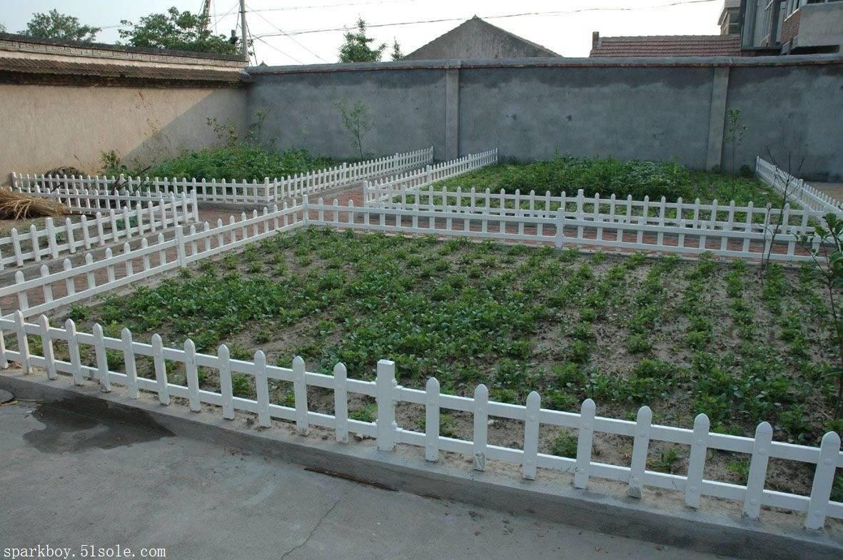 :唐山市滦南县pvc草坪围栏锌钢仿草坪围栏全国供应