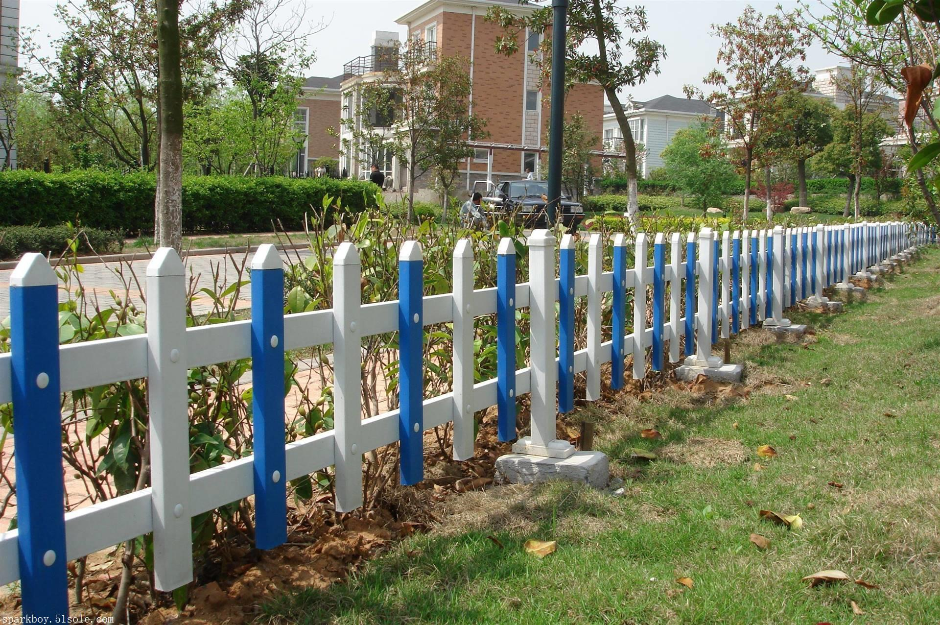 新闻:济南市市中pvc草坪围栏锌钢仿草坪围栏提供