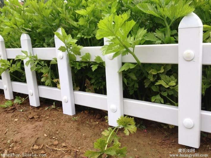 :济南市市中pvc草坪围栏锌钢仿草坪围栏提供