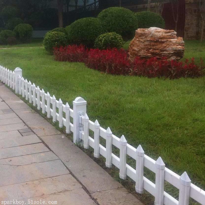 新闻:辽阳市辽阳县pvc草坪围栏锌钢仿草坪围栏生产