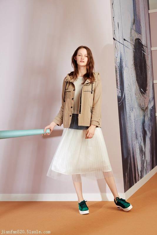 女式休闲套装 时尚秋装货源 品牌折扣女装 专柜女装尾货 库存服装