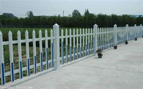 新闻:邢台市桥西pvc草坪围栏锌钢仿草坪围栏代理