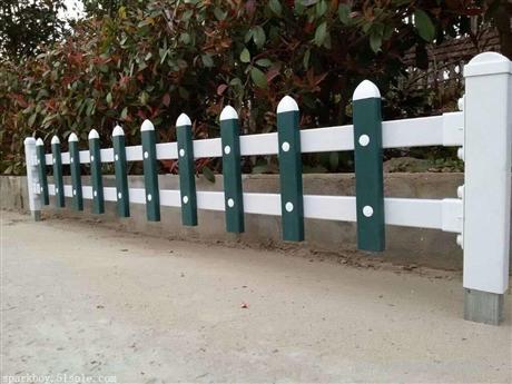 新闻:平凉市崆峒pvc草坪围栏锌钢仿草坪围栏代理