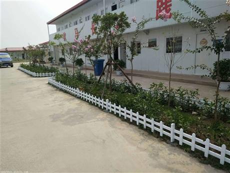 新闻:保定市高碑店市pvc草坪围栏锌钢仿草坪围栏厂家
