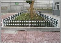 新闻:三门峡市pvc草坪围栏锌钢仿草坪围栏哪里买