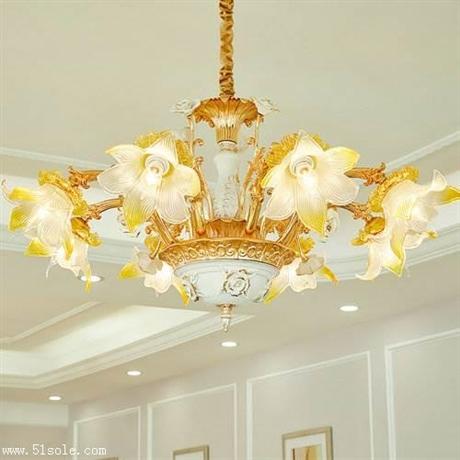 客厅灯具选择 蜡烛水晶吊灯 锌合金吊灯