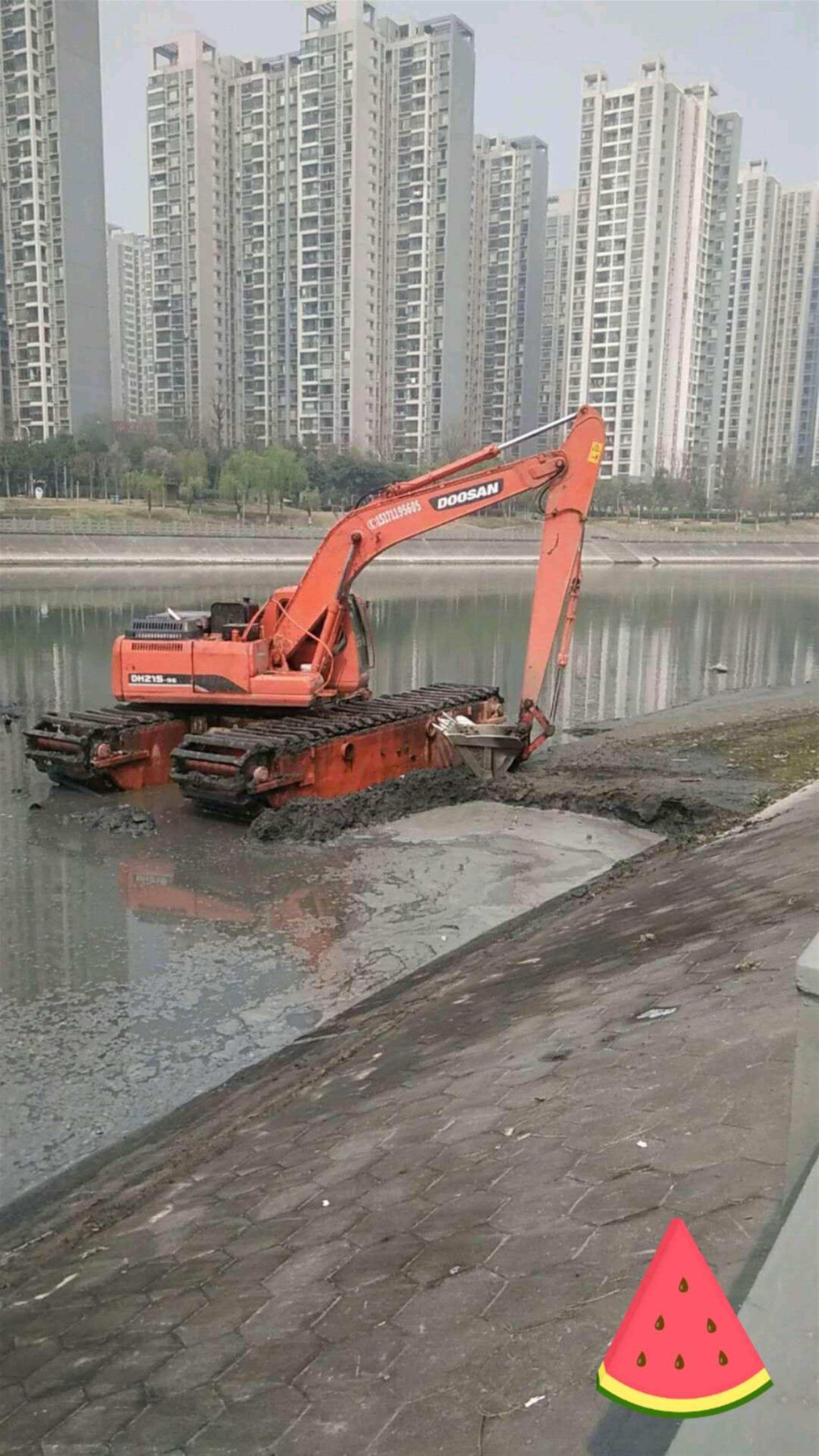水陆挖掘机出租正规公司报价