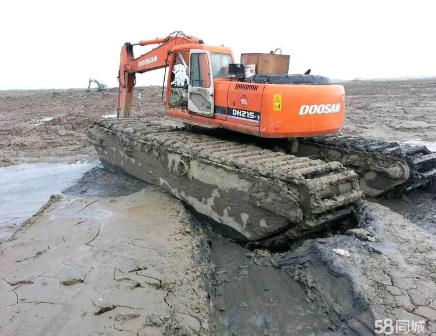 水陆两用挖掘机出租费用按月结算
