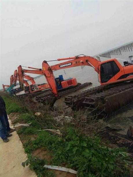 水上挖掘机出租价位