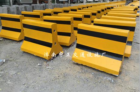 厂家供应唐山水泥隔离墩-小区用水泥隔离墩-公路水泥隔离墩价格