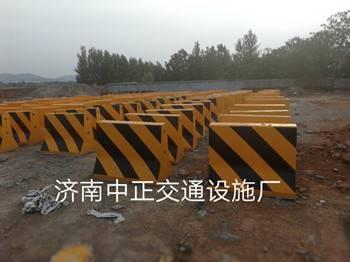 供应邯郸公路隔离墩-隔离墩价格-高度80cm隔离墩