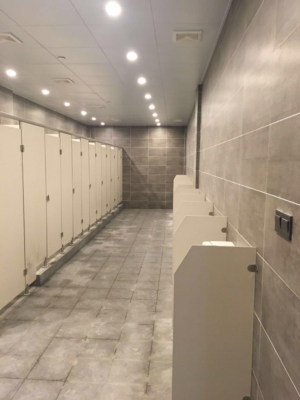 宿州办公楼公共卫生间隔断板材如何选择
