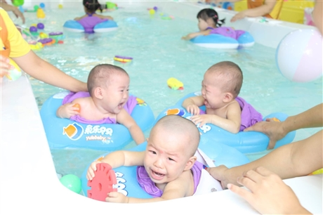 鱼乐贝贝游泳馆加盟,家庭接受婴幼儿水育早教的程度