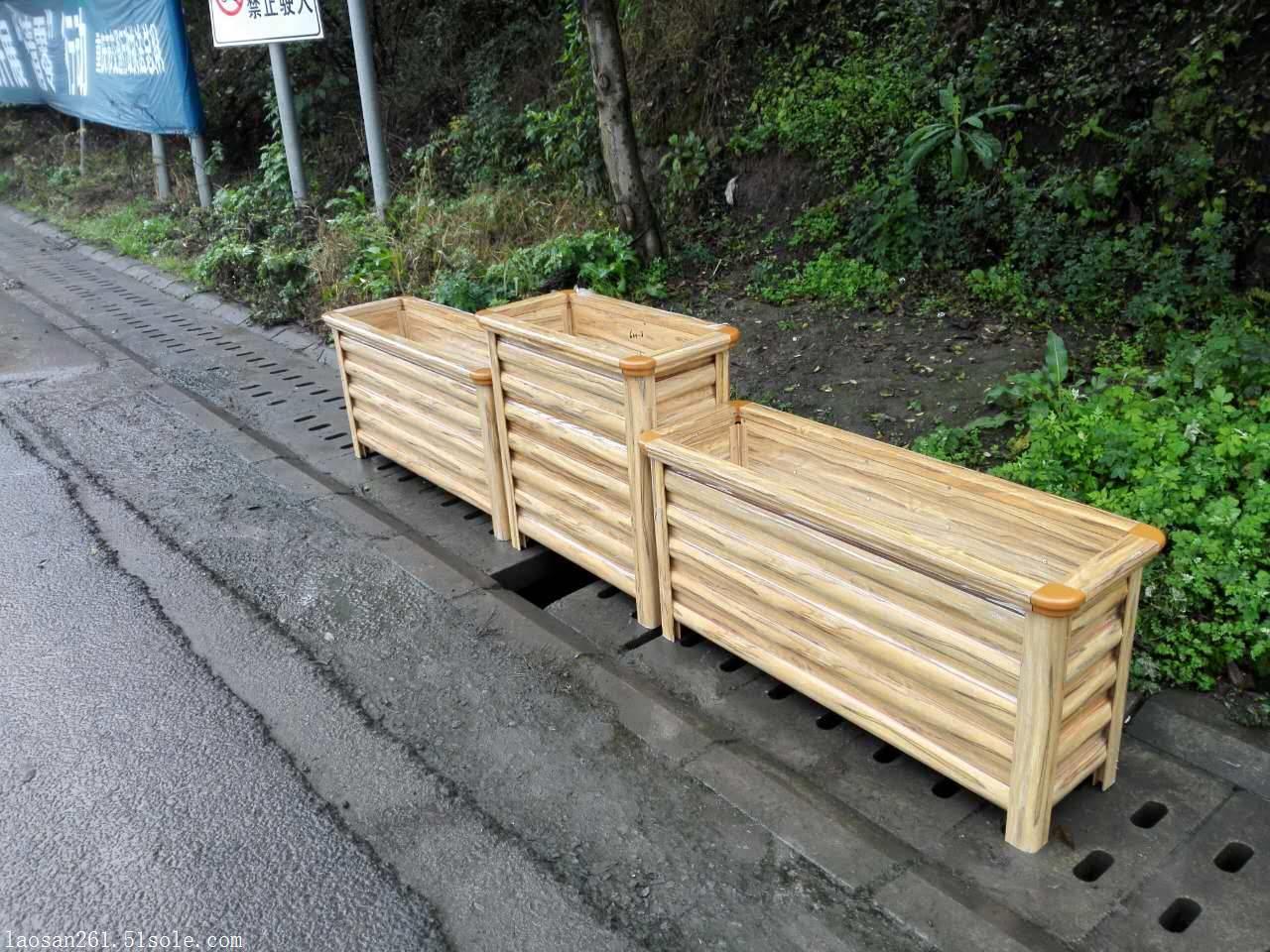 荣城市道路铝合金花箱,仿木花箱,市政道路隔离花坛