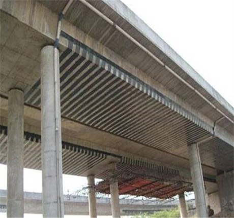 新闻:达州专业桥梁裂缝修补碳布加固众拓路桥