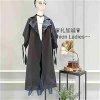 品牌女装折扣店18年封面皇后时尚风衣进货渠道
