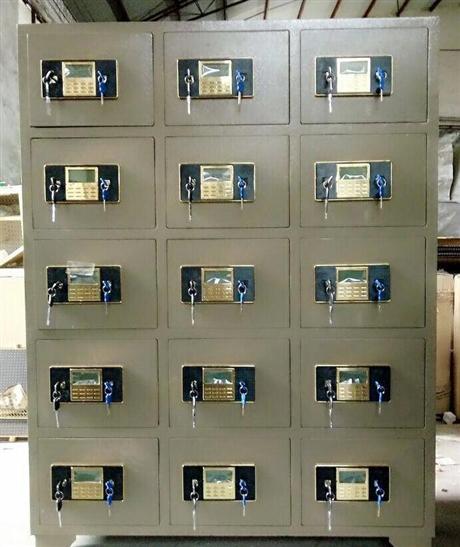 多门保险柜 防火防盗电子存储柜 10门15门电子密码存包柜