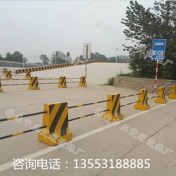 供应铜陵隔离墩-公路隔离墩价格-水泥隔离墩厂家