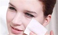 不同的化妆水有什么用 ?蒙自严鸿彩妆培训