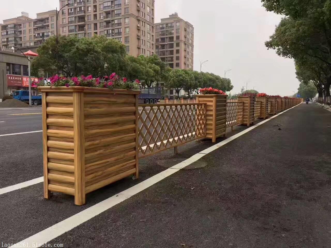 合川学校景观铝合金花箱,道路隔离花箱,仿木纹花箱