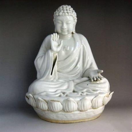 2018年甜白釉佛像的拍卖纪录