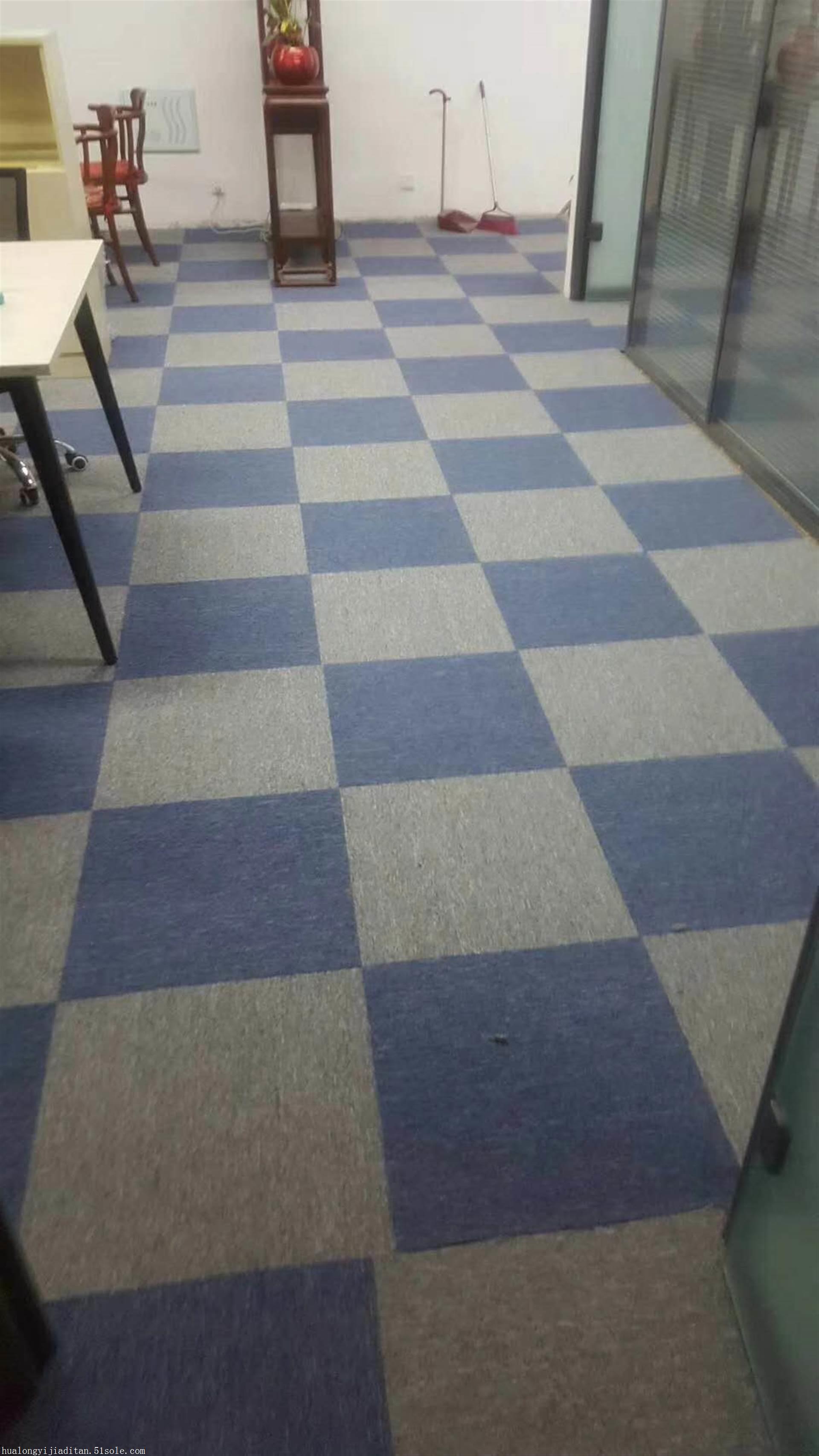 拼块地毯现货销售,铺装欢迎选购,地毯价格优惠